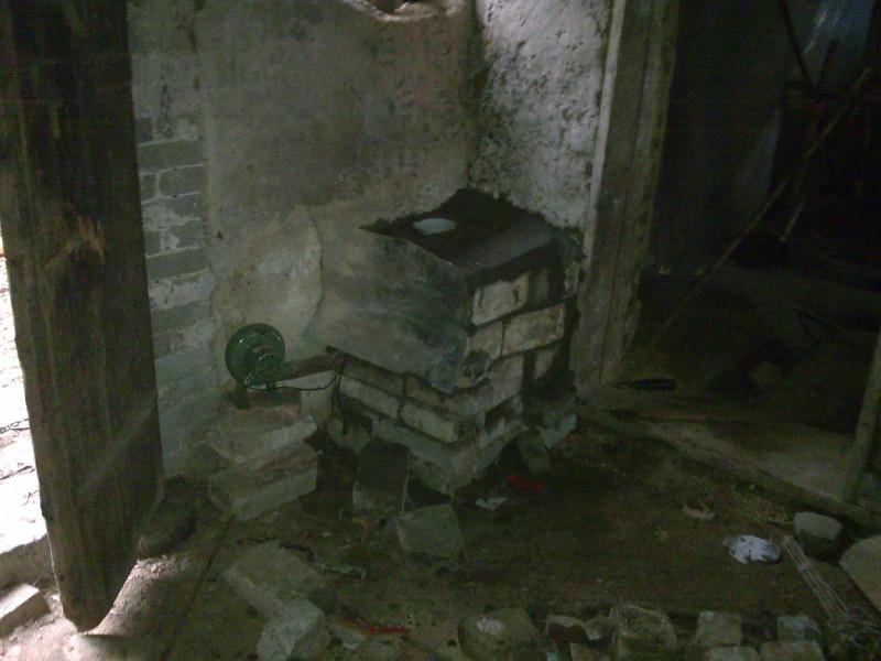 育雏间改造之 自制蜂窝煤热风炉高清图片