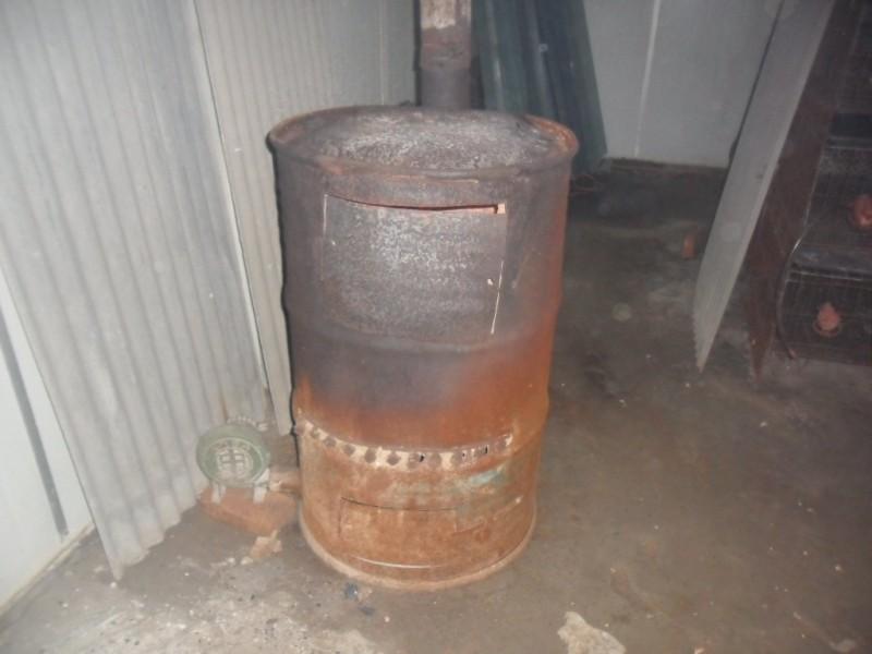 用油桶自制的炉子